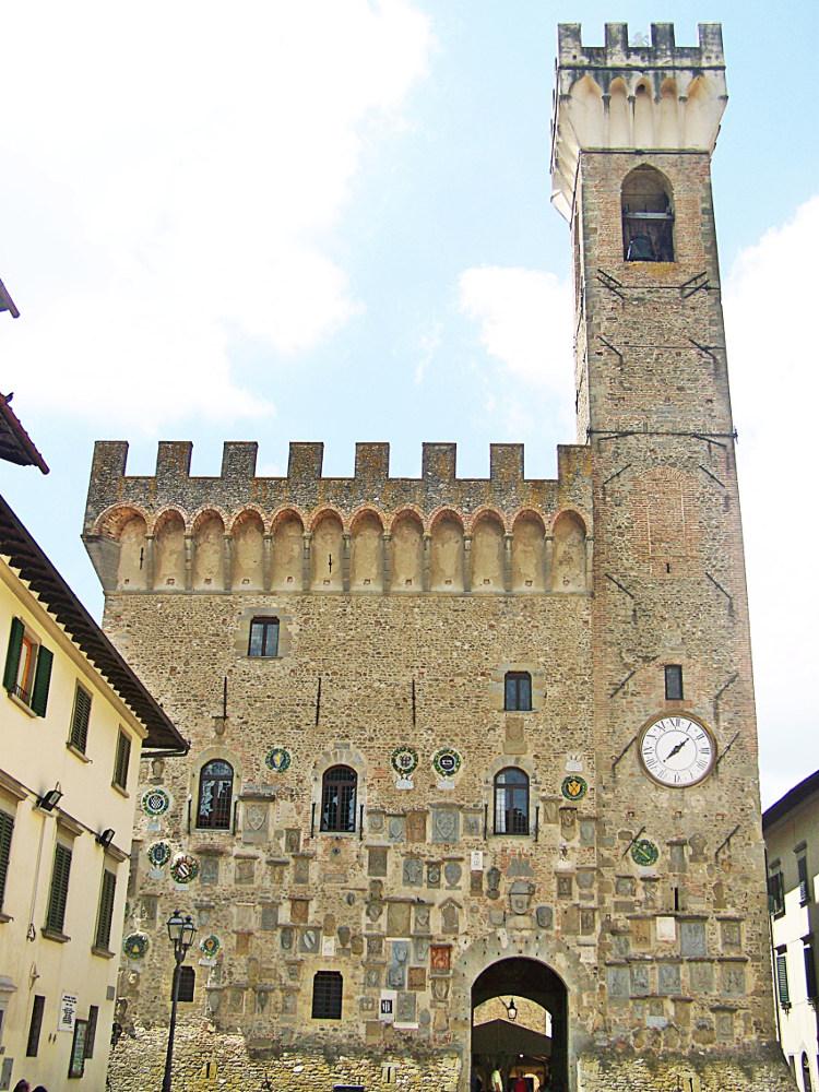Visita guidata di Scarperia  Palazzo dei Vicari, visita alle coltellerie