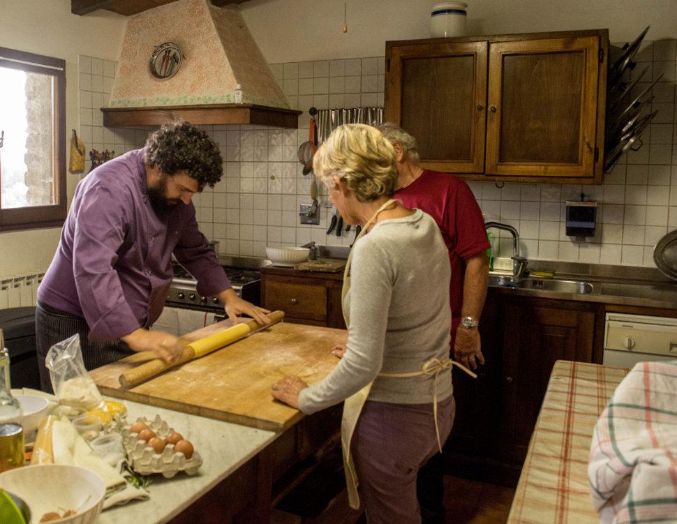 Caccia al tartufo e corso cucina toscana vicino firenze mugello a tavola - Corso cucina firenze ...