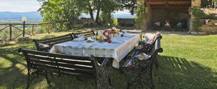 pranzo nella campagna toscana